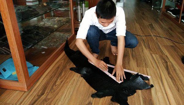 thắt lưng nam da cá sấu, Quá trình sản xuất thắt lưng nam da cá sấu