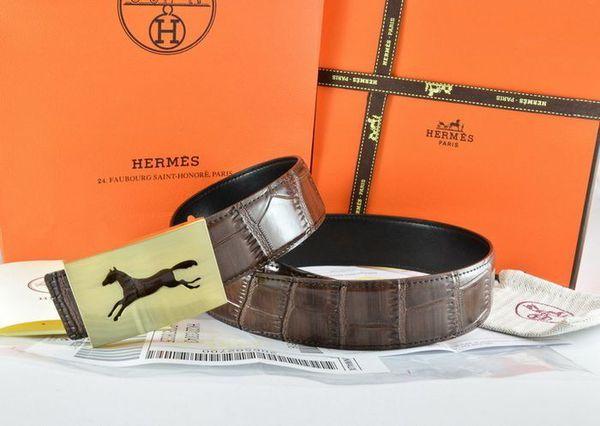 dây nịt nam Burberry, So sánh hình tượng ngựa trên dây nịt nam Burberry và Hermes