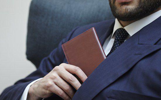 ví da nam dáng dài, Cách mix đồ với ví da nam dáng dài đậm chất đàn ông