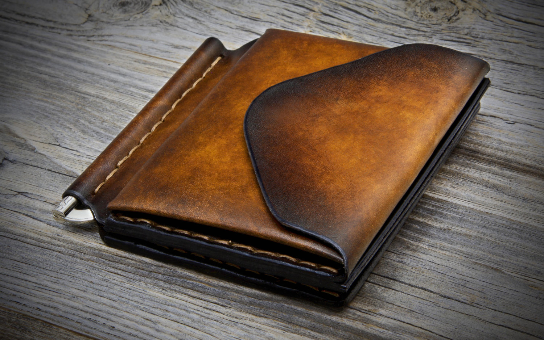 ví da đà điểu, Ví da đà điểu, ví da cá sấu và ví da bò có những ưu nhược điểm gì?