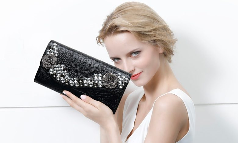 ví cầm tay nữ đẹp, TOP 7 địa chỉ bán ví cầm tay nữ đẹp và chất lượng tại TPHCM