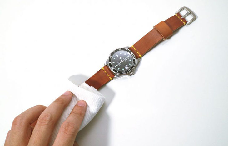 cách làm sạch dây da đồng hồ, Cách làm sạch dây da đồng hồ chỉ từ những vật dụng có sẵn trong nhà