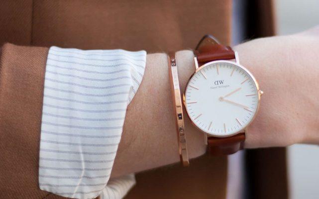 đồng hồ dw dây da, Đồng hồ DW dây da của thương hiệu Daniel Wellington nên đeo thế nào?