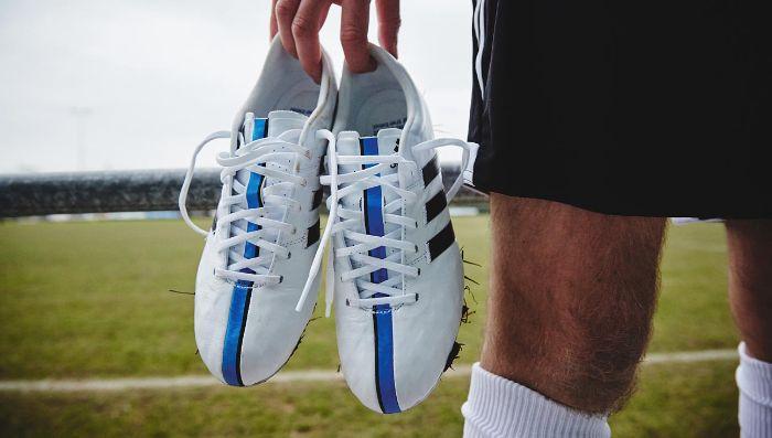 cách buộc dây giày đá bóng