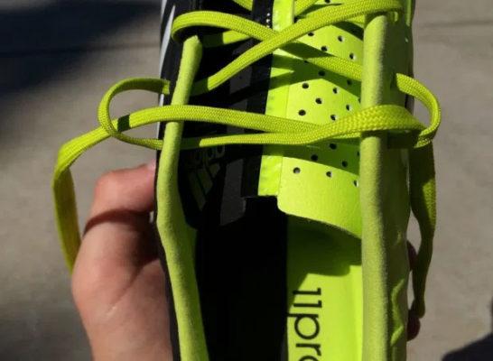 cách buộc dây giày đá bóng, Bật mí cách buộc dây giày đá bóng không lo bị tuột