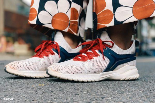 giày bitis sơn tùng, Giày Bitis Sơn Tùng có gì đặc biệt? Có đắng để bỏ tiền mua hay không?