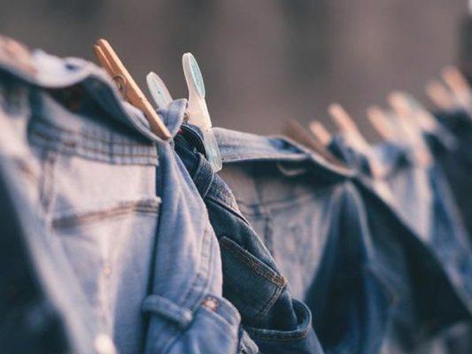 ngâm quần jean với giấm bao lâu, Ngâm quần jean với giấm bao lâu thì quần giữ được màu hiệu quả nhất