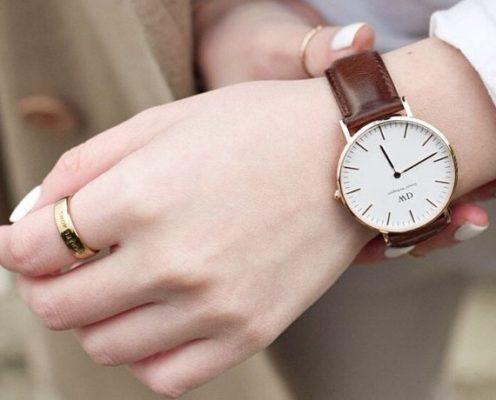 đồng hồ dw chính hãng giá bao nhiêu, 5 dòng được yêu thích nhất của đồng hồ DW chính hãng giá bao nhiêu?